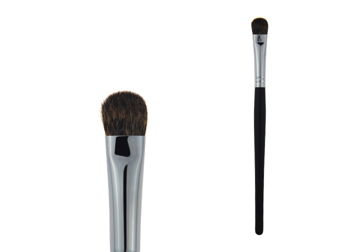 Eyeshadow Tools Makeup Blending Brush With Black Wooden Handle